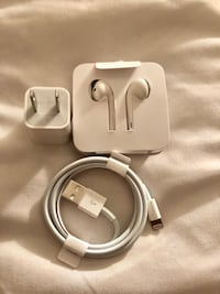 Apple EarPods with lightning connector and Charger Toronto, M3J 0B8