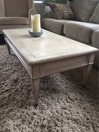 Coffee table with matching side tables Oakville, L6K 3E6