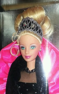 1998 BARBIE Pristine Collectable (Never-opened)  Elizabethtown