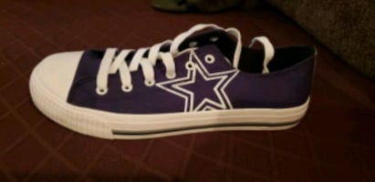 Dallas Cowboys Shoes - Men's size 9/Women's 11
