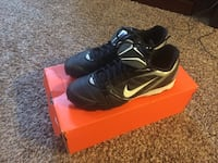 Nike cleats size 10 in great condition