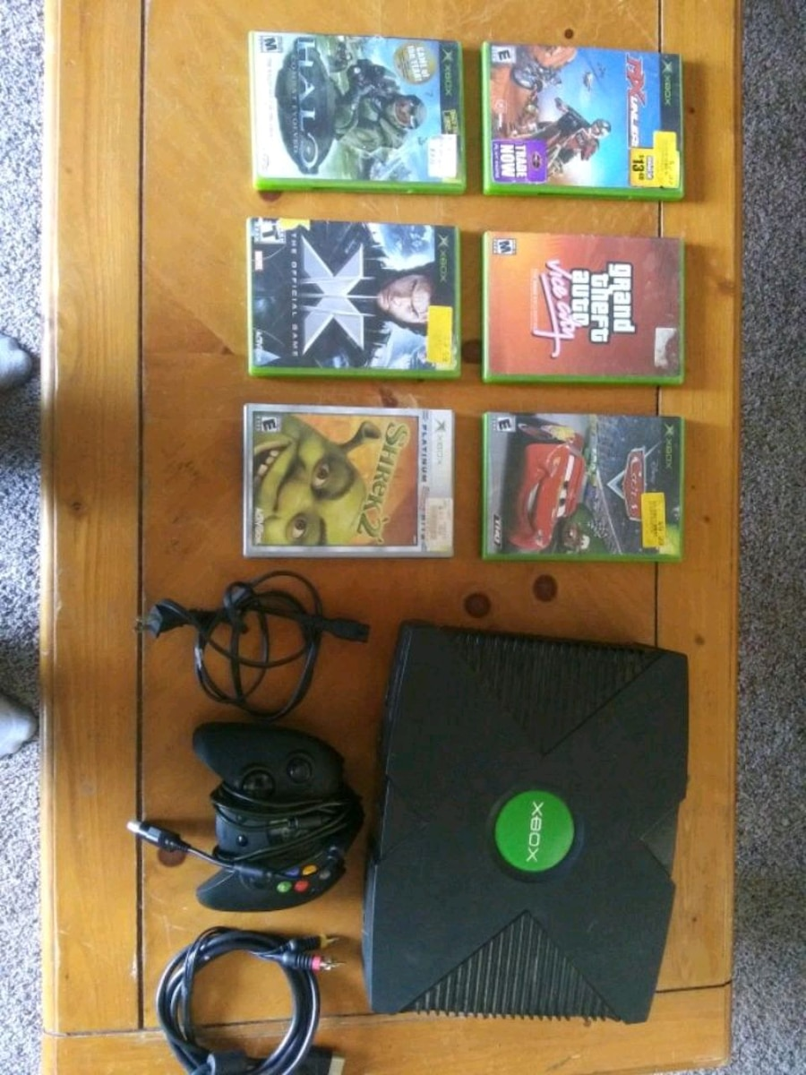 Photo Original Xbox and 6 games. Trades welcome.