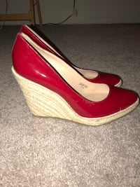 pair of red-and-brown leather wedge heels Frederick, 21703