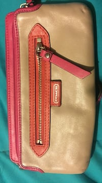 brown Coach leather wristlet Tyler, 75703