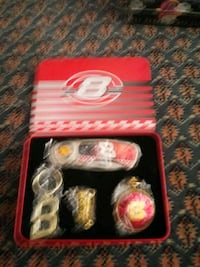 Dale Earnhardt number 8 tin set Hartford, 06118