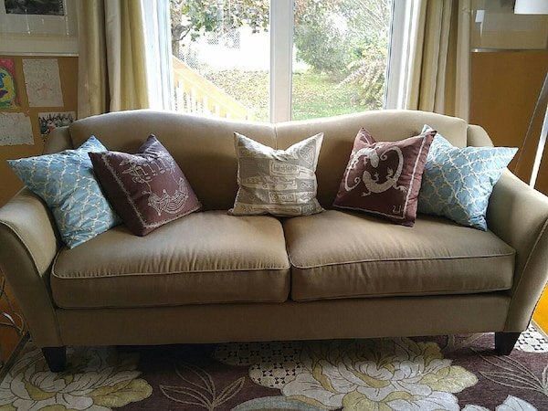 Used Genuine Lazboy Sofa (taupe) for sale in Châteauguay - letgo