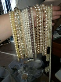 Costume Jewelry pearl necklaces Lancaster, 93535