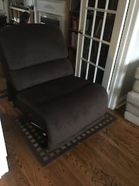 Armless fabric reclining chair Mississauga, L5V 2Y1