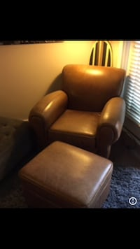 black and brown leather armchair Mount Rainier, 20712