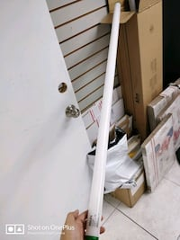 4ft and 8ft fluorescent light bulbs daylight color Miami Gardens, 33014