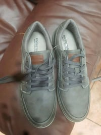pair of gray Vans low-top sneakers Montréal, H1T 1G5