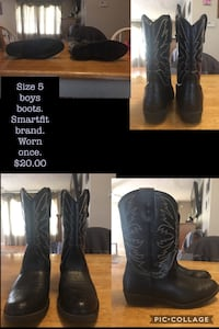 Boys cowboy boots. Size 5. Worn once. Excellent condition  Madisonville, 42431