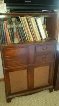 Antique record player Carencro, 70520