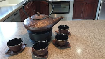 Brown ceramic tea set
