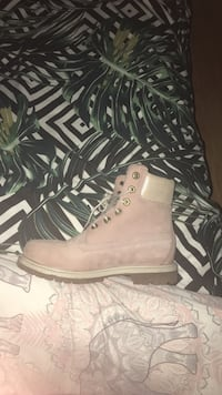 Timberland pink suede work boot London, N16
