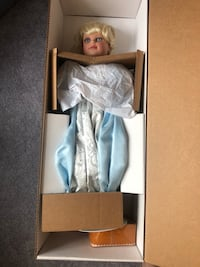 Turner Collectable Cinderella Doll Monrovia, 21754