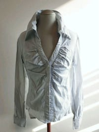 Women's button down top (size Small)