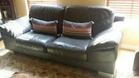 Black leather couch Alexandria, 22301
