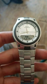 round silver Casio digital watch with silver link bracelet Gardena, 90248
