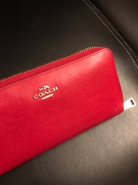 Coach wallet in red Vancouver, V6H 2P1