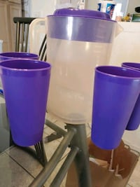 Plastic Piture with 4 plastic cups.