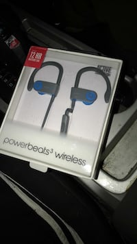 gray and blue Beats by Dre wireless Power Beats 3 pack