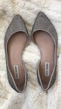 pair of brown leather flats 1441 mi