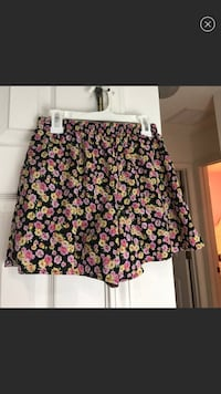 (SIZE L IN GIRLS) Floral Shorts