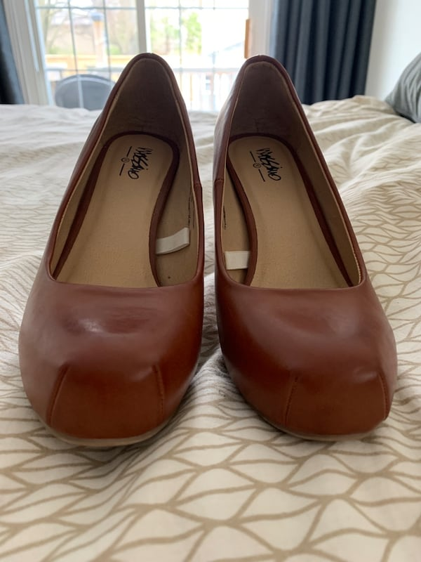 Brown leather heels f5acaafa-8d9f-4618-b4d3-33f554ac5ae9