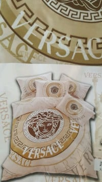 Versace bed sheets -queen Surrey, V3S 7Y1