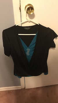 Women's black turquoise  v-neck shirt Vaughan, L4K 2K6