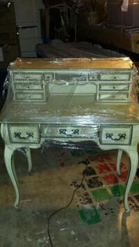 Antique wood desk  San Antonio, 78254