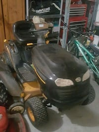 Riding lawnmower is 46 inch cut  Lawrenceville, 30043