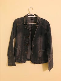 Jacket in excellent condition from a pet and smoke free home for only 15$ Vaughan, L6A 3A5