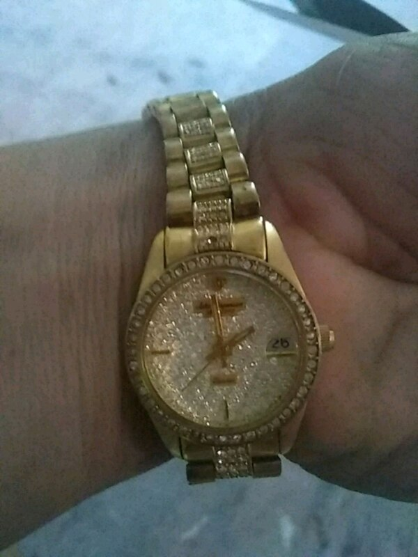 50b94effdc2c Used round gold Michael Kors analog watch with link bracelet for sale in Fort  Worth - letgo