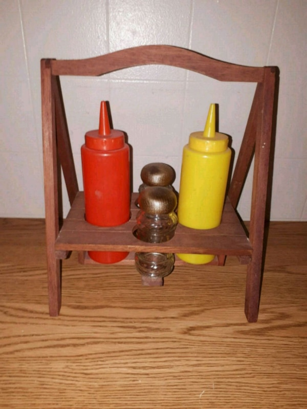 Outdoor Condiment Caddy