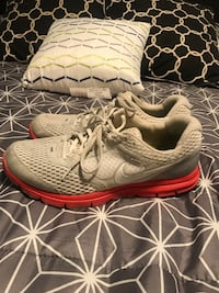 White / Grey Nike Running Shoes Calgary, T3R