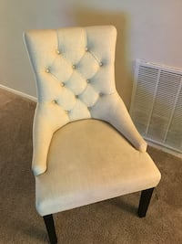 tufted white fabric sofa chair College Park, 20740