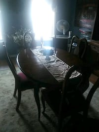 Dining set just in time for the holidays! Hazlet, 07730