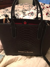 Dooney  and Bourke like new Loxley, 36551