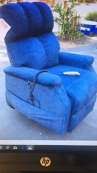 Lift chair recliner..never used Sacramento, 95826