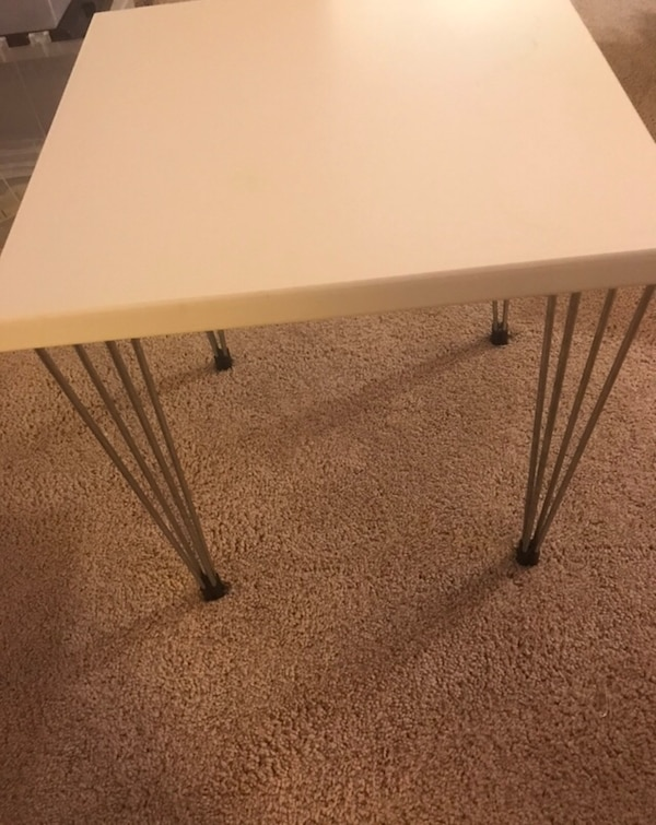 Set of 2 midcentury modern side tables