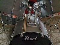 black and gray Pearl drum set Moreno Valley, 92555