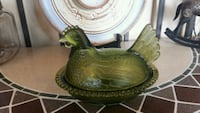 Vintage green glass rooster covered bowl  Georgetown, L7G
