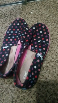pair of black-and-pink slip on shoes Miami Gardens, 33056