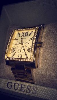 Gold Guess square faced watch with white diamonds Surrey, V3W 9C4