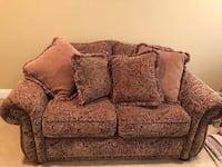 Brown floral 2-seat sofa Amityville, 11701