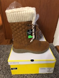 Very Comfy Winter Boots size 10 Falls Church, 22042