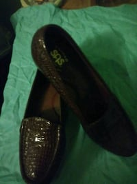 pair of black leather loafers Lakeland, 33803