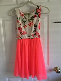 pink and white floral sleeveless dress Winter Haven, 33884